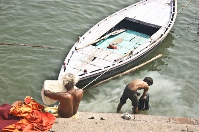Zdjęcia: Varanasi,  Uttar Pradesh, poranek nad Gangesem, INDIE