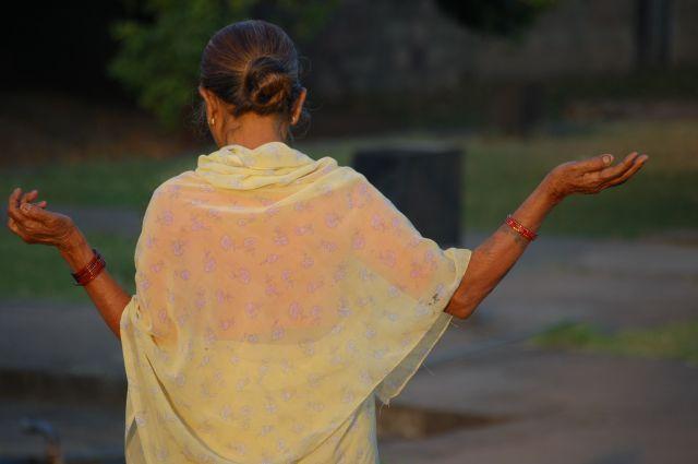 Zdjęcia: Pune, Kobieta w Sari., INDIE
