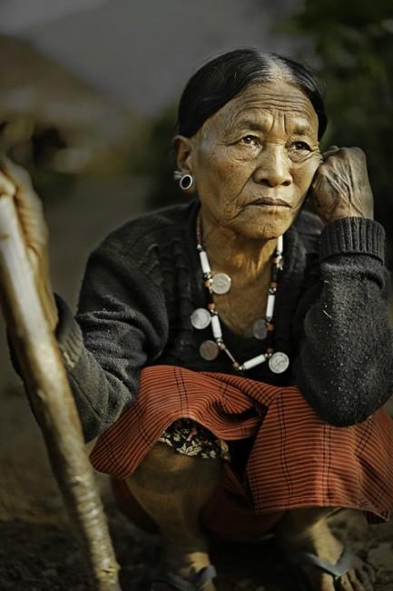 Zdjęcia: Mon, Naga, Królowa Wangnea,żona wodza Khaopa z wioski Sheanghah., INDIE