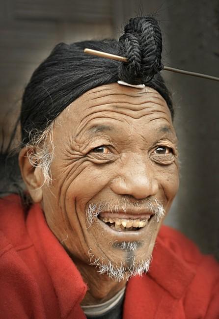 Zdjęcia: Dolina Ziro, Arunachal Pradesh, Mężczyzna z plemienia Apatani, INDIE