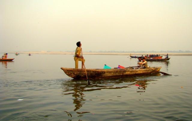 Zdjęcia: Varanasi, Uttar Pradesh, Połów latawców, INDIE