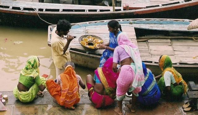 Zdjęcia: Varanasi, Uttar Pradesh, Na ghatach, INDIE