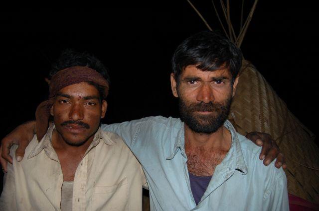Zdjęcia: Poone, Przyjaciele - zbieracze trzciny, INDIE