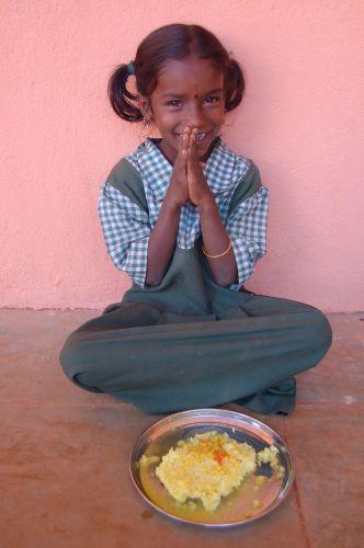Zdjęcia: Okolice Poone, Modlitwa w czasie lunchu, INDIE