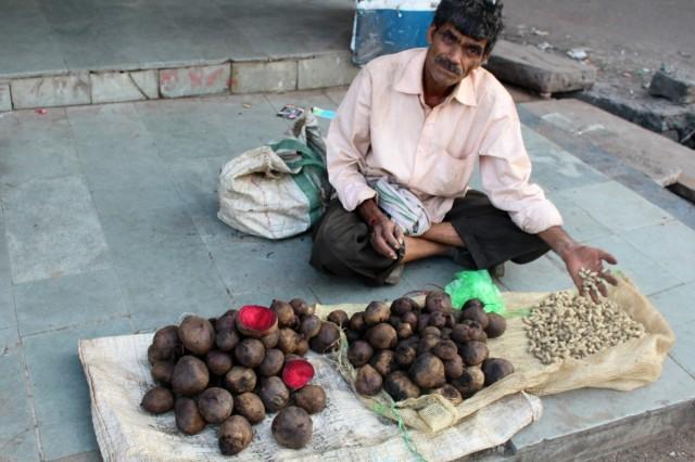Zdjęcia: Bhopal, Madhya Pradesh, Pravin - handel na ulicy miasta Bhopal, INDIE