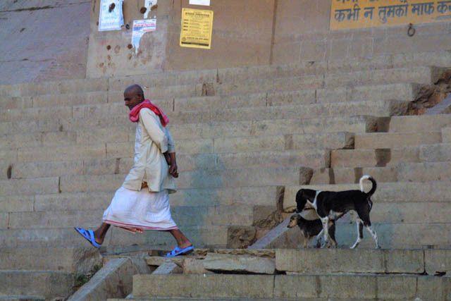 Zdjęcia: Waranasi, Uttar Pradesh, Spacer po ghatach- Waranasi, INDIE
