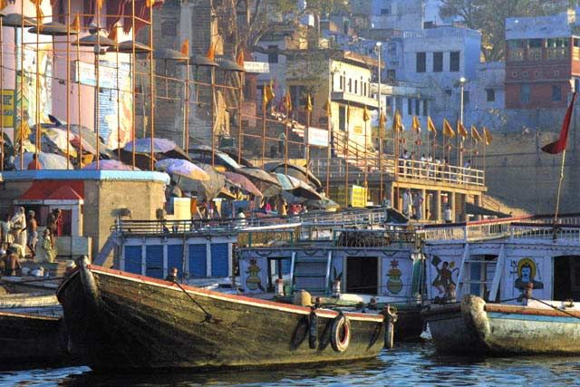 Zdj�cia: Waranasi, Uttar Pradesh, Plyniemy po Gangesie, INDIE