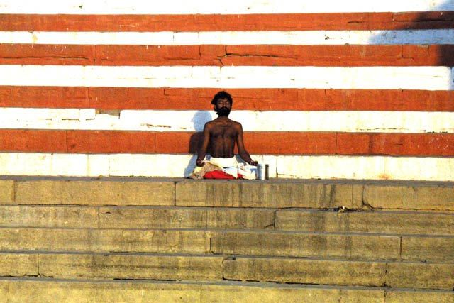 Zdjęcia: Waranasi, Uttar Pradesh, Medytacja, INDIE