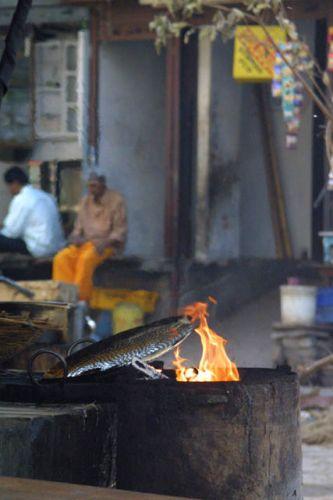 Zdjęcia: Waranasi, Uttar Pradesh, Ogien, INDIE