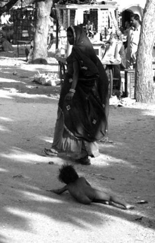 Zdjęcia: Targ wielbladow, Rajastan, na ulicy, INDIE