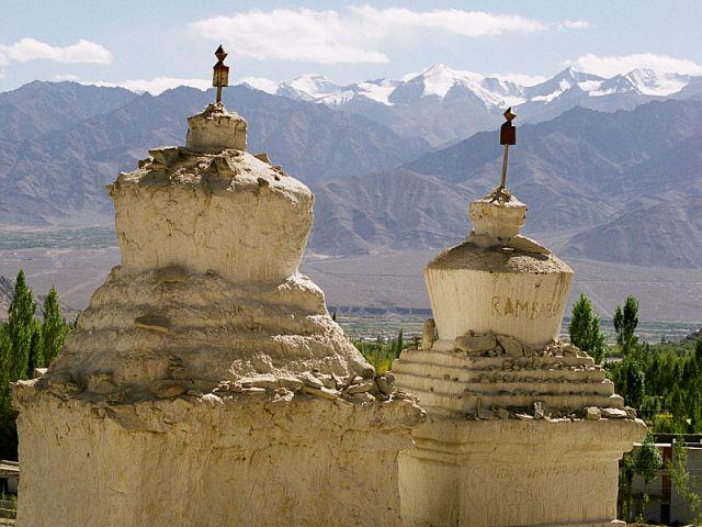 Zdjęcia: Shanti Stupa- Leh- Ladakh, Ladakh- Jammu&Kashmir- Indie Północne, Way to Shanti, INDIE