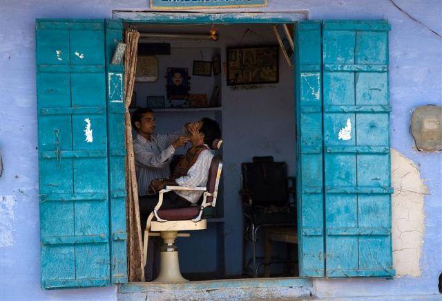 Zdjęcia: Pushkar, Radżastan, Salon fryzjerski, INDIE