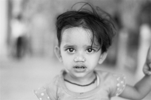 Zdjęcia: Jajphur/ Fort Amber, Radżastan, Indie inaczej - hinduska dziewczynka, INDIE