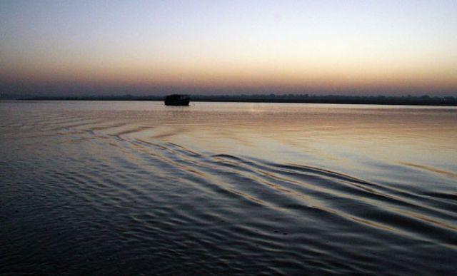 Zdjęcia: VARANASI GANGES, Zdjęcie nr.1, INDIE