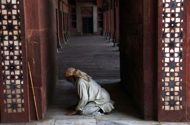 Zdjęcia: OLD DELHI Meczet JAMI MASJID, Modlitwa, INDIE