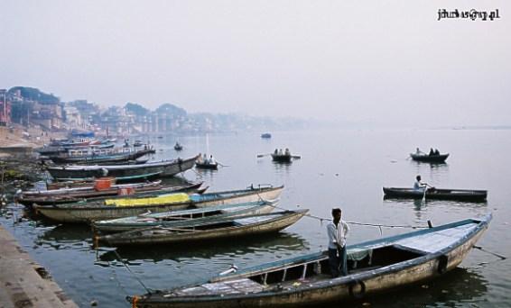 Zdjęcia: Waranasi / Benares, Łodzie nad Gangesem, INDIE