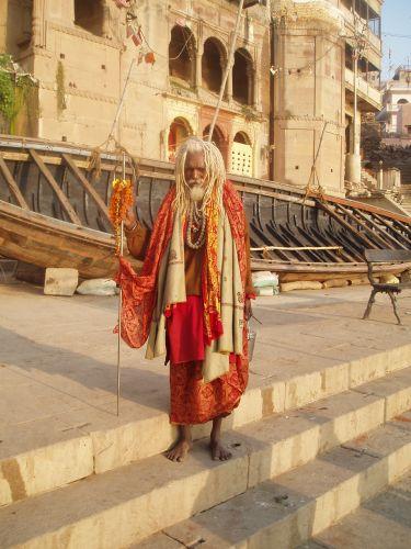 "Zdjęcia: nad brzegiem Gangesu, Varanasi, ""Very nice baba"", INDIE"