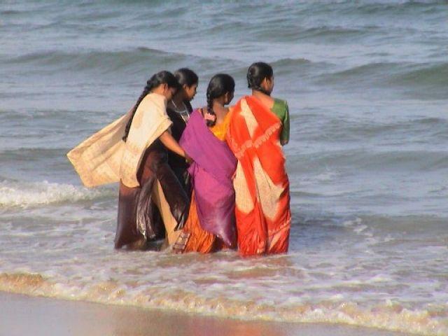 Zdjęcia: Chennai, Tamil Nadu, kapiel po hindusku, INDIE