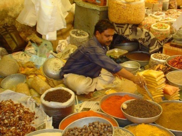 Zdjęcia: na targu w Anjunie, Kerala   i inne, INDYJSKIE KOLORY, INDIE