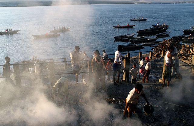 Zdjęcia: Varanasi, Kremacje, INDIE