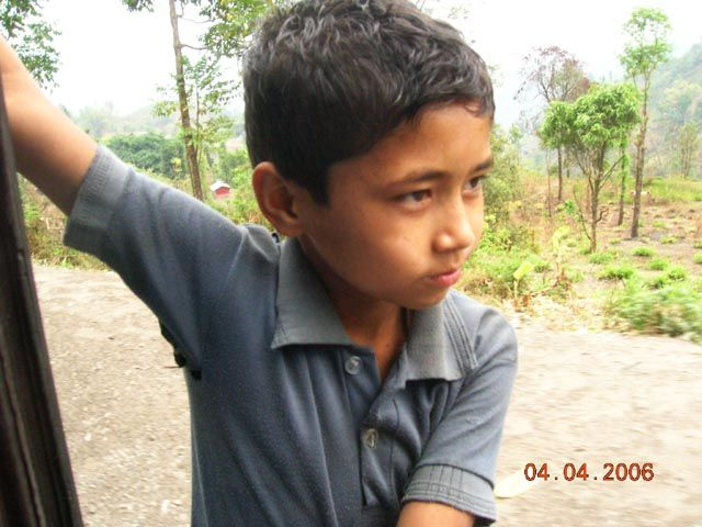 Zdjęcia: Trasa Darjeeling - Siliguri, Bengal Zachodni, pasażer na gapę, INDIE