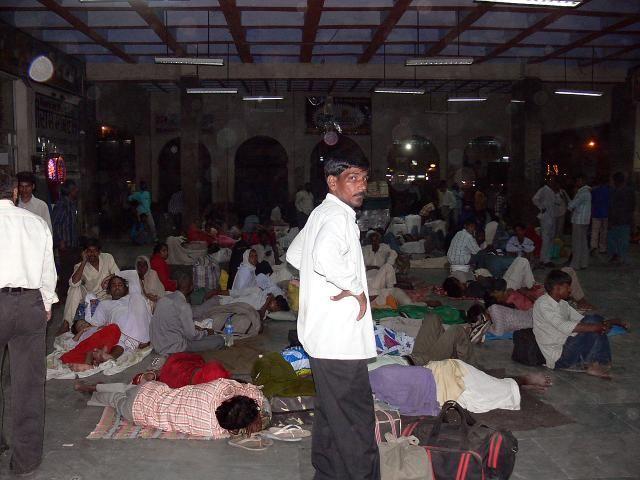 Zdjęcia: Gorakhpur, Indie, Dworzec w Gorakhpur, INDIE