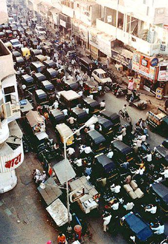 """Zdjęcia: Ahmedabad, widko z hotelu na """"Indyjski Manchester"""", INDIE"""