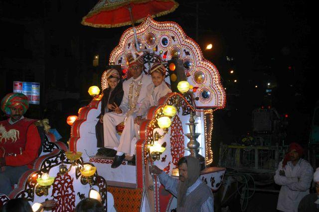Zdj�cia: Agra, pan m�ody z dru�b�, INDIE