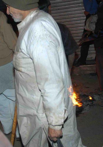 """Zdjęcia: delhi, zabawa w """"płonącego bączka"""", INDIE"""