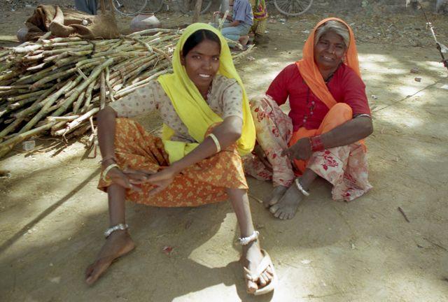 Zdjęcia: Jodhpur, Rajasthan, Matka z córką, INDIE