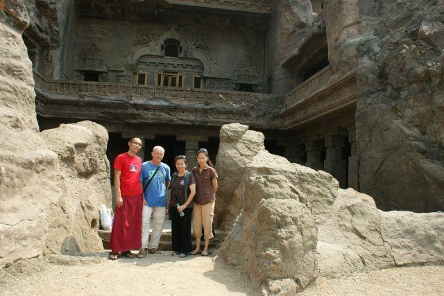 Zdjęcia: Ellora, Ellora, Spotkałem Birmańczyków, INDIE