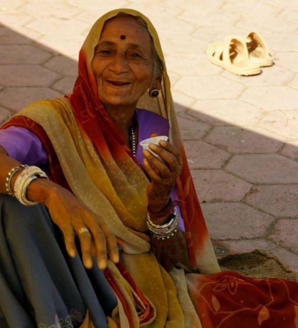 Zdjęcia: Godra, Godra, I  po  Herbacie  , INDIE