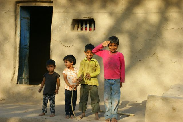 Zdjęcia: Mandi, Mandi, Zabawa  w  wojsko, INDIE