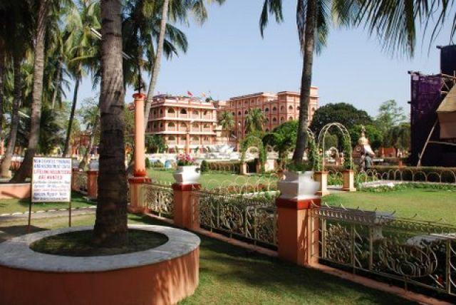 Zdjęcia: 150 km. od Kalkuty, West Bengal, Iskcon Temple Maya Pur, INDIE