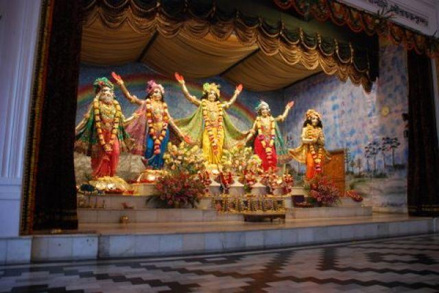 Zdjęcia: 150 km. od Kalkuty, West Bengal, Isklon Temple Maya Pur, INDIE