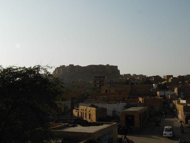 Zdjęcia: Jaisalmer - pustynia Thar, Rajasthan, Złote miasto - widok na fort, INDIE