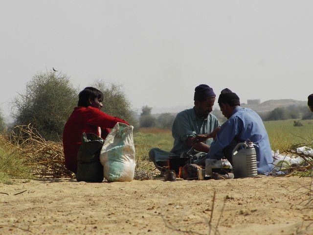Zdjęcia: Jaisalmer - pustynia Thar, Rajasthan, ludzie pustyni, przewodnicy, INDIE