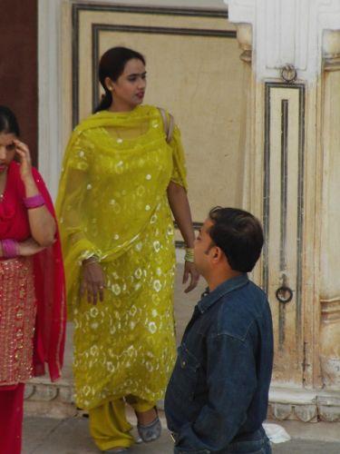 Zdjęcia: Jaipur, Rajasthan, kobiety czasem przypominają księżniczki...z bajki, INDIE