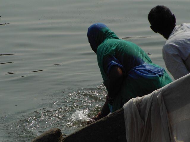 Zdjęcia: Varanasi, Uttar Pradesh, pranie, INDIE