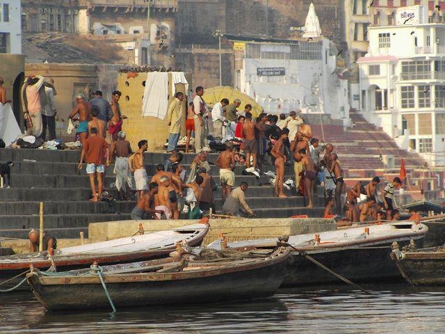 Zdjęcia: Varanasi, Uttar Pradesh, obok religijna kąpiel, INDIE