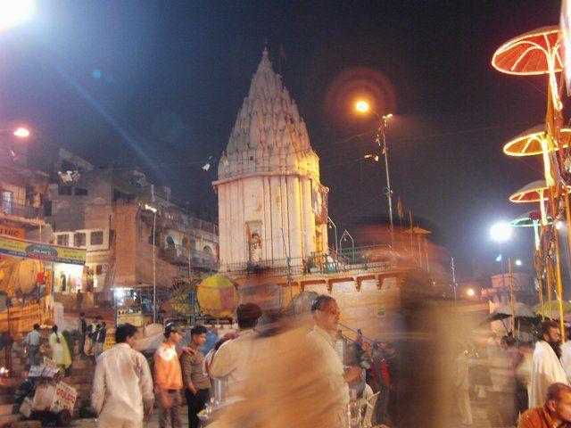 Zdj�cia: Varanasi, Uttar Pradesh, czczenie rzeki, INDIE