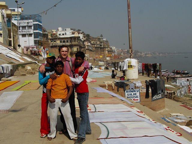 Zdjęcia: Varanasi, Uttar Pradesh, koledzy, INDIE