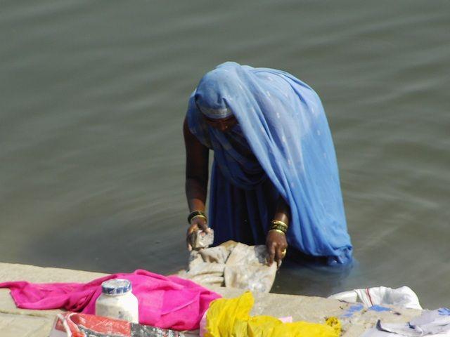 Zdj�cia: Varanasi, Uttar Pradesh, pranie, INDIE