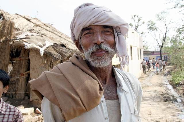 Zdjęcia: Wioska na trasie, Twarze Indii, INDIE
