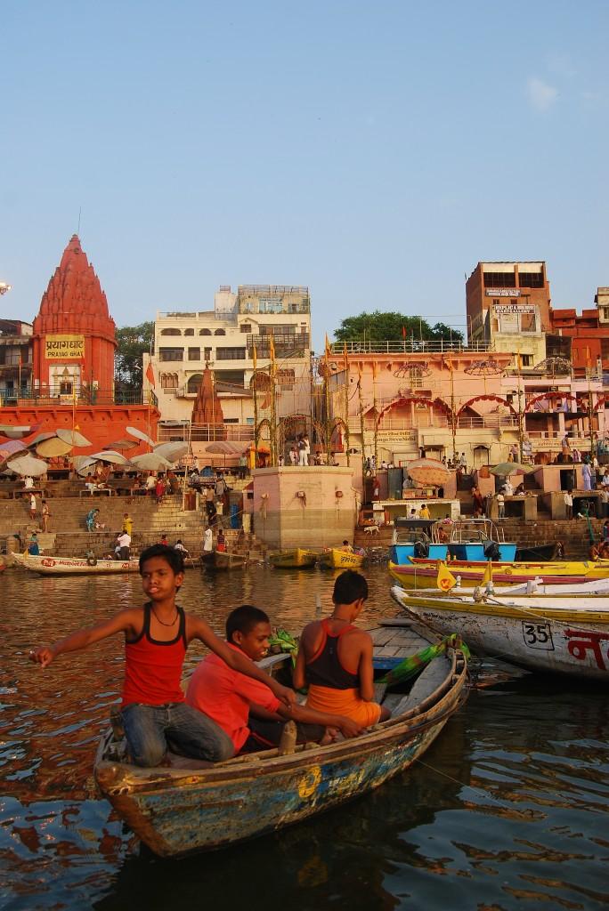 Zdjęcia: Varanasi, Uttar Pradesh, Chłopcy, INDIE