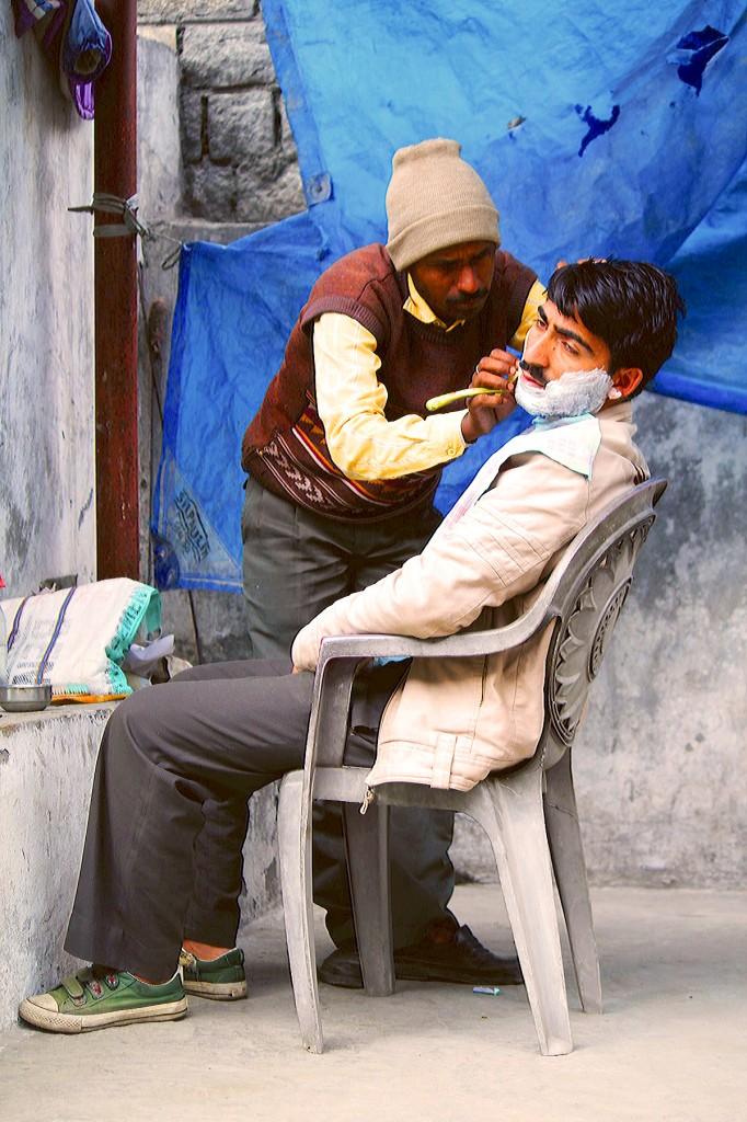Zdjęcia: .., Ladakh, U fryzjera, INDIE