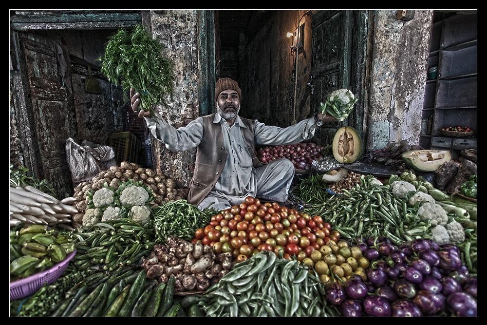 Zdjęcia: Ulica, Agra, Na warzywniaku, INDIE
