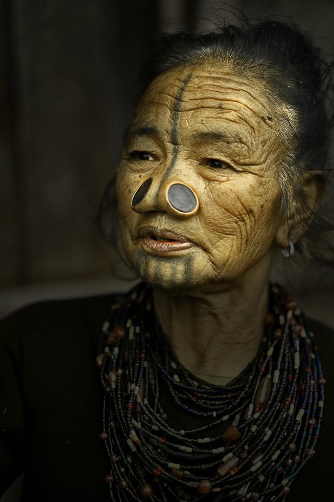 Zdjęcia: Dolina Ziro, Arunachal Pradesh, Kobieta Apatani., INDIE