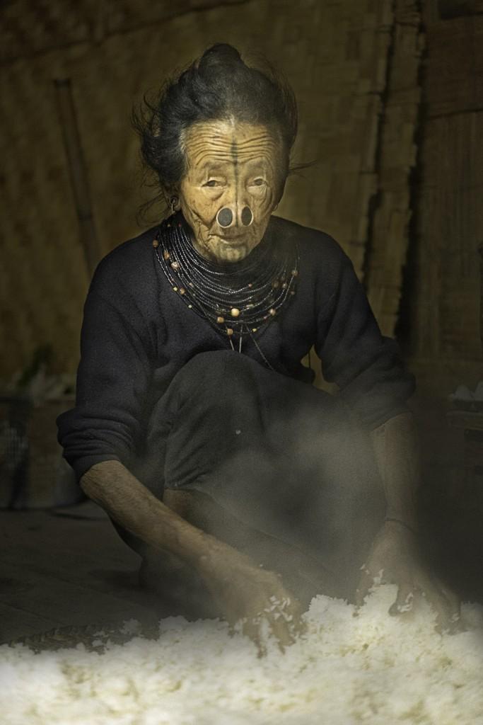 Zdjęcia: Dolina Ziro, Arunachal Pradesh, Tradycyjne chłodzenie ryżu, INDIE