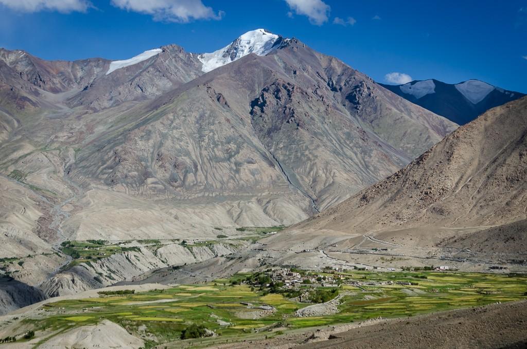 Zdjęcia: wieś Khardung , Ladakh, u stóp..., INDIE